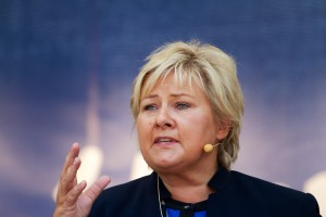 Erna_Solberg_-_2013-08-10_at_13-01-26-300x200